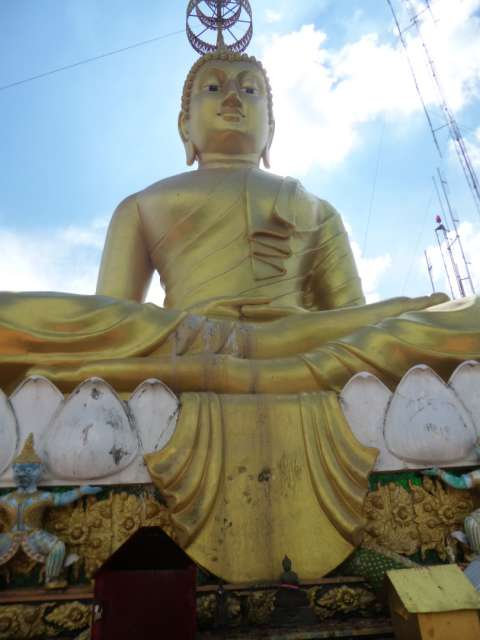auf dem Tiger Cave Tempel in Krabi