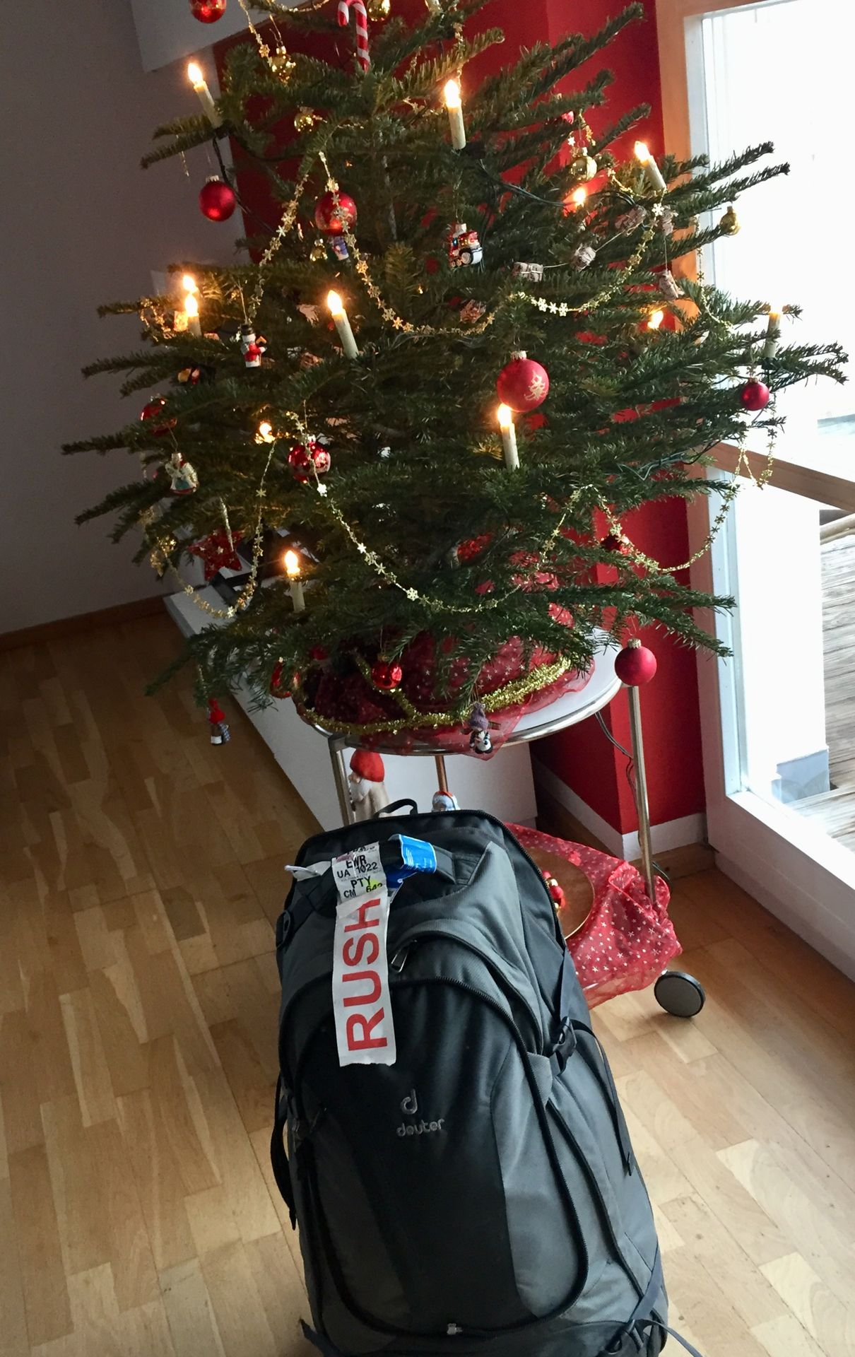 Der Letzte Weihnachtsbaum.Adiós Colombia Schön War S Das Letzte Gepäck Unter M