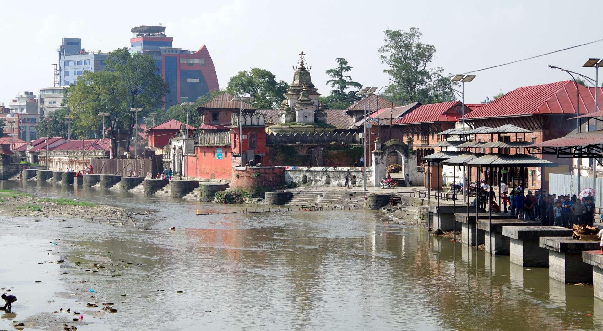 Pashupathinath, Tempel und Hospize