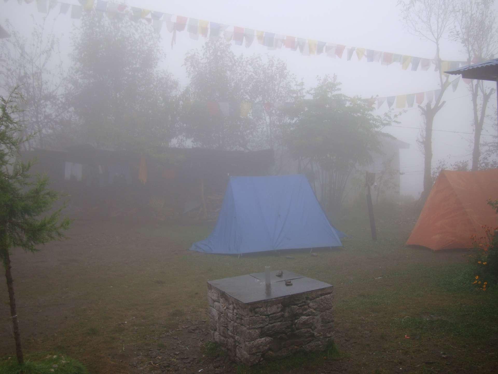 Zelte im Garten, Notquartier für Viele