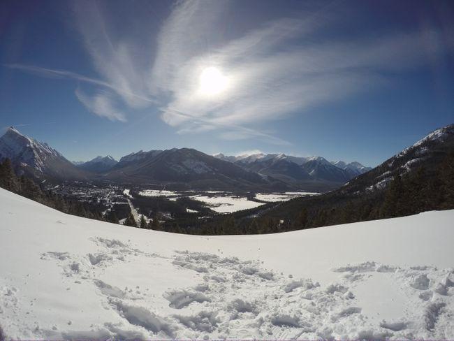 Aussicht auf die umliegenden Berge in Banff