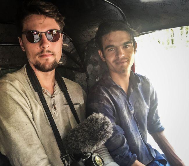 Finn mit Neeraj unserem Host