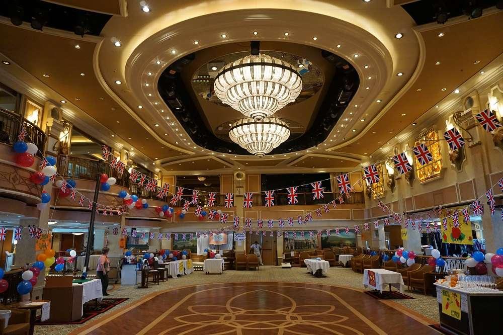 abendgarderobe casino