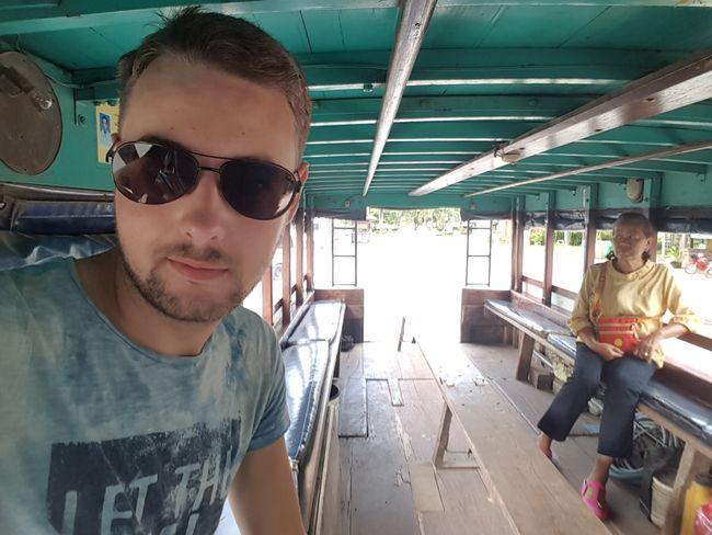 Mit diesem Gefährt ging es morgens nach Alt-Sukhothai.
