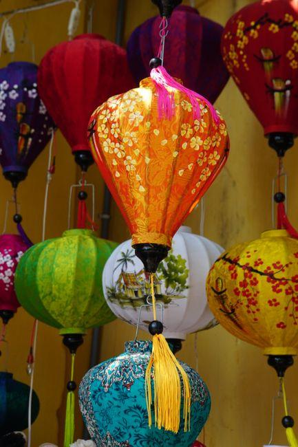 Lampions in allen Farben und Formen
