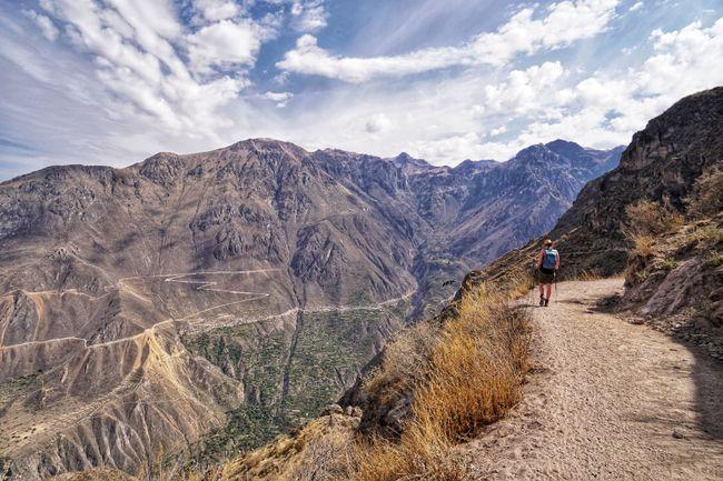 Wanderung hinab in den Cañón de Colca