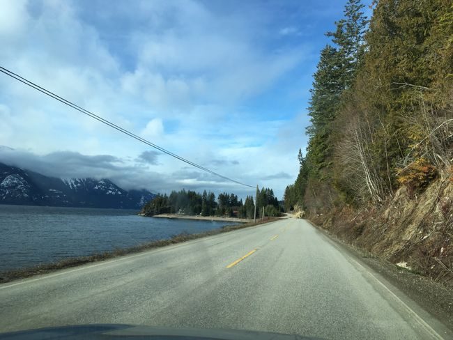 Strasse am Lake Kootenay