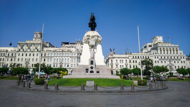 Der mächtige 'Plaza San Martin'.